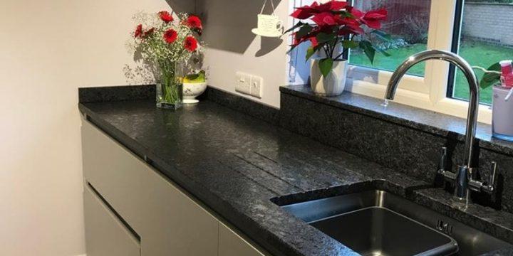 Ingin Memilih Bahan Untuk Lantai? Perhatikan 3 Perbedaan Granit dan Keramik Berikut!