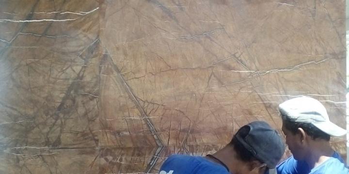 Perbedaan Cara Pasang Marmer Sistem Basah & Sistem Kering